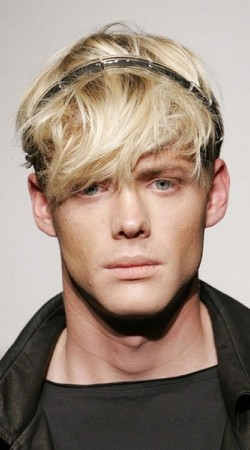 thumbs_messey-fringe-mens-hairstyle