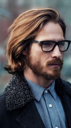 thumbs_long-mens-hairstyle