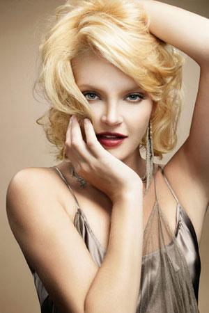 Ladies-Blonde-Hairstyle-PM