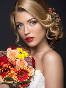 Bridal and Wedding Hair Styles Ideas from Shampoo Dolls in Cottage Grove